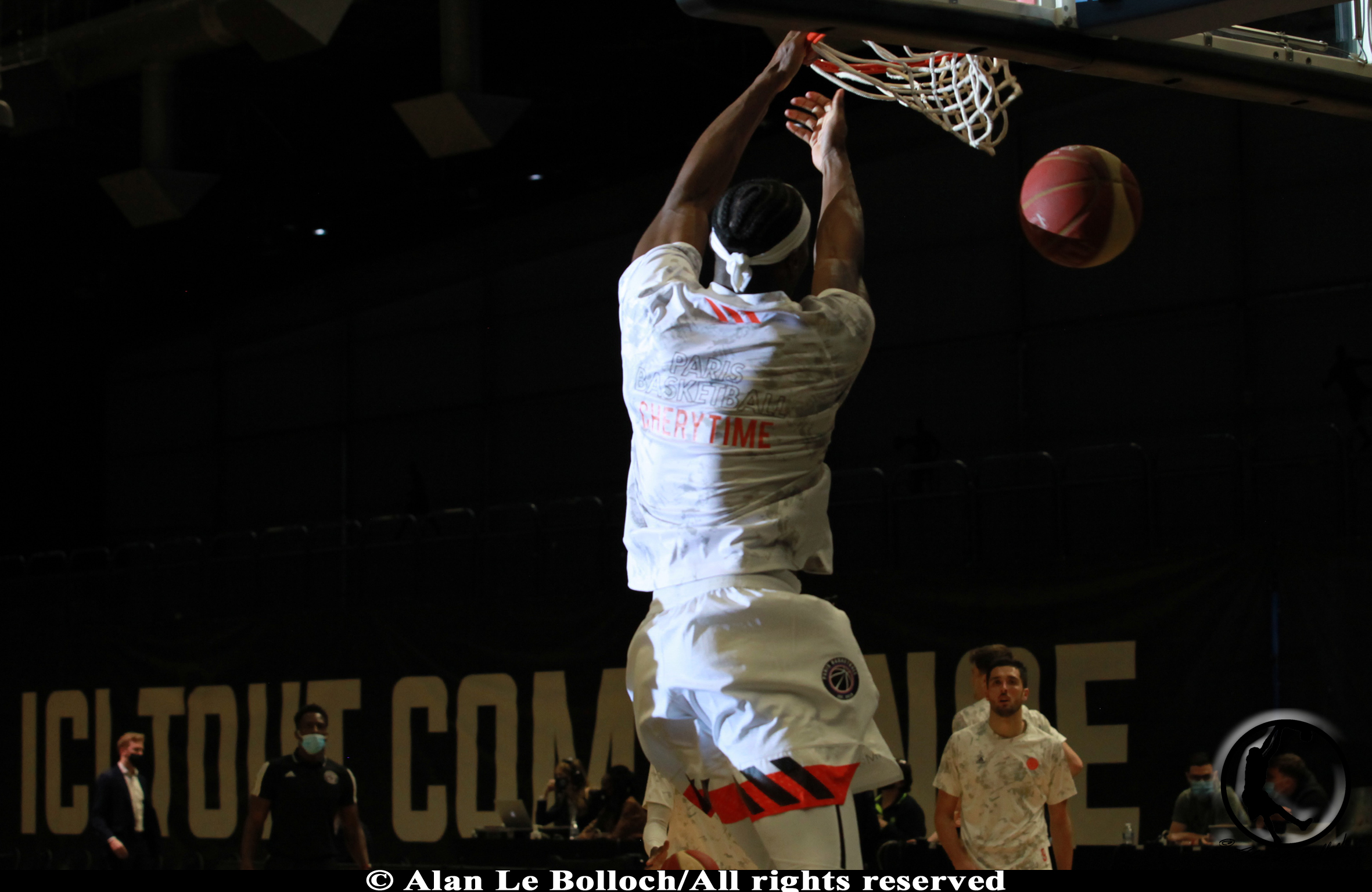 Valentin Chery dunk - Paris Basketball